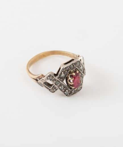 Bague ancienne rubis et diamants côté