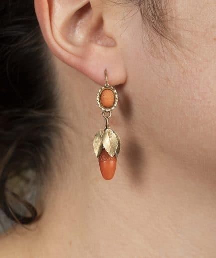 Boucles d'oreilles en corail porter