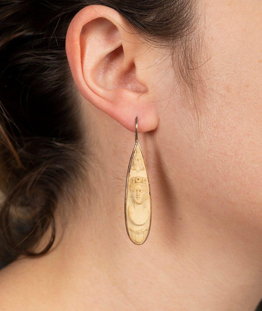 Boucles d'oreilles pierre de lave porter