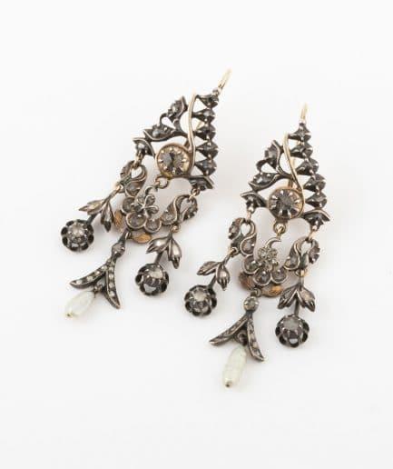 Boucles d'oreilles anciennes originaires des Flandres Perle Bijoux Anciens - Caillou Paris