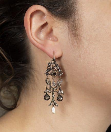 Boucles d'oreilles régionales des Flandres porter