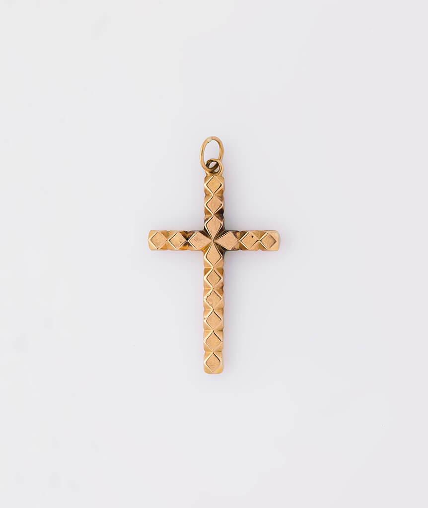 Croix coeur dos