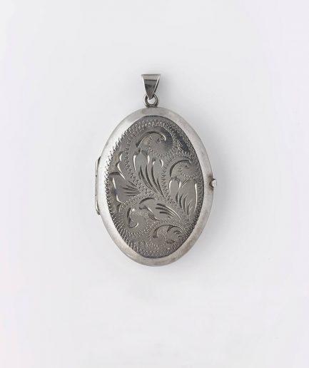 Médaillon argent gravé Pendentif ancien Bijoux Anciens - Caillou Paris