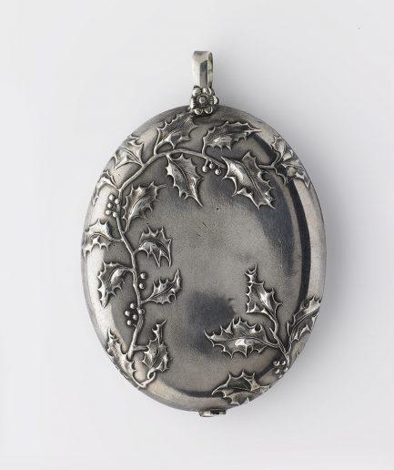 Médaillon Art nouveau en argent Art Nouveau Bijoux Anciens - Caillou Paris
