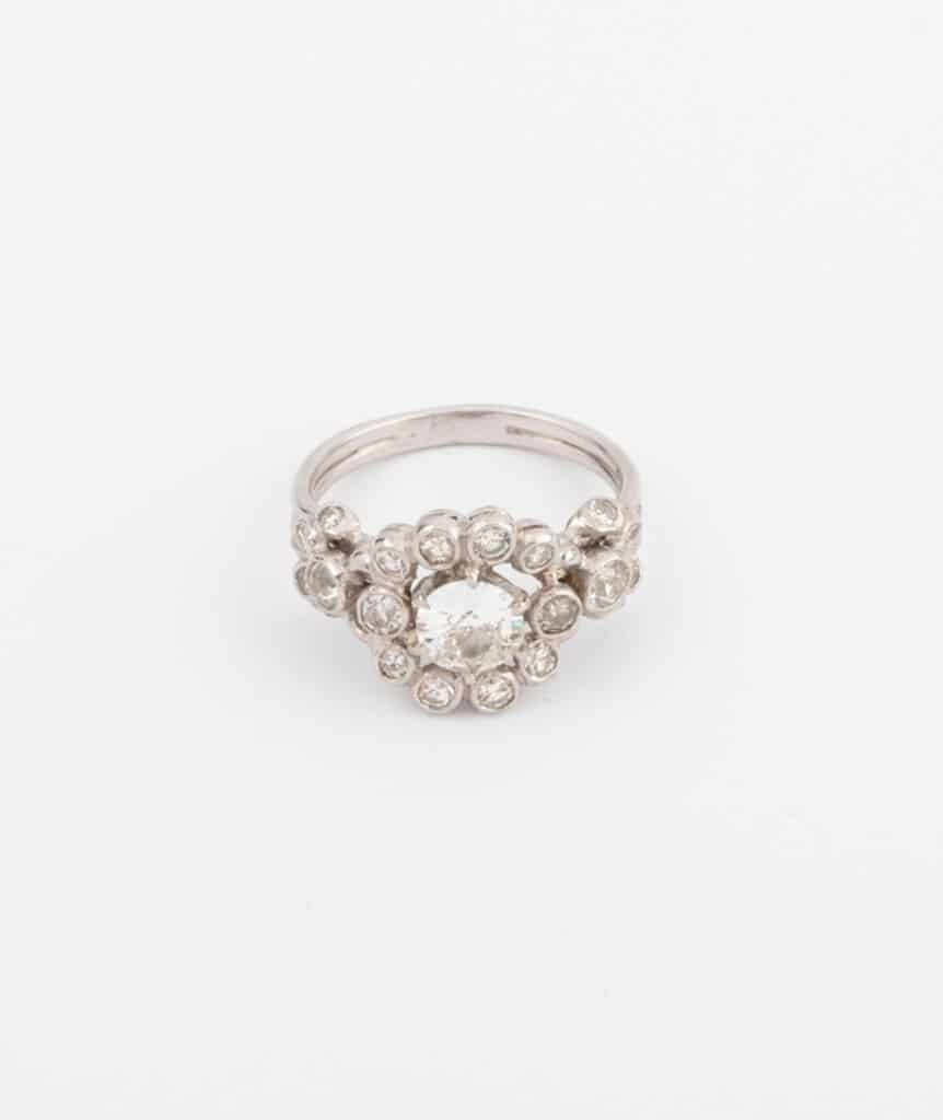 Bague marguerite en platine et diamants