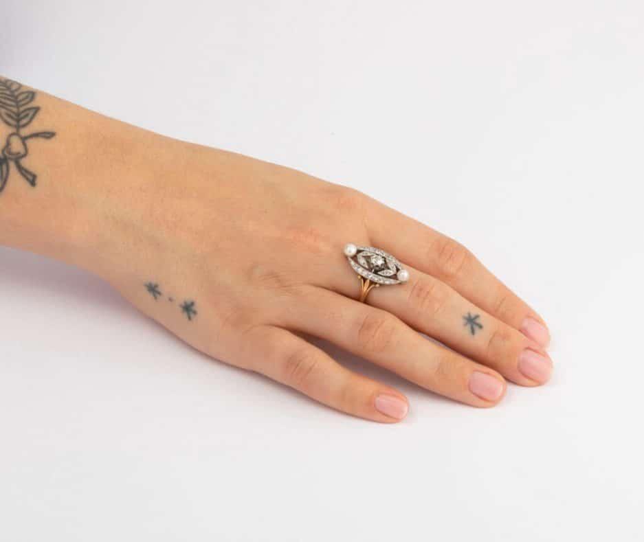 Bague marquise perles et diamants porter