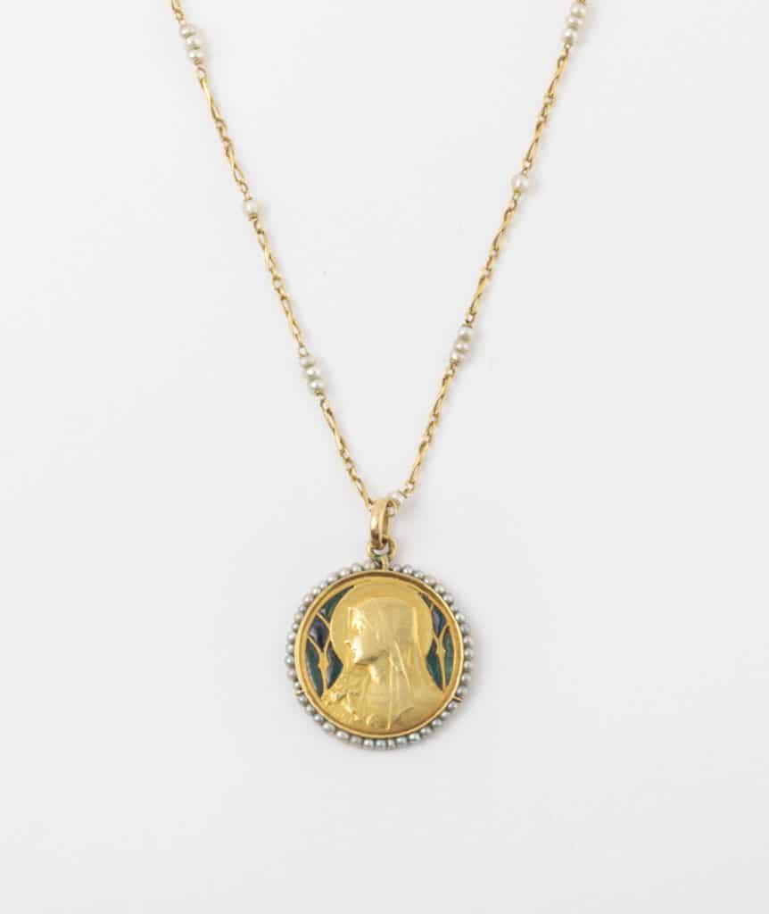 Collier et médaille Art nouveau