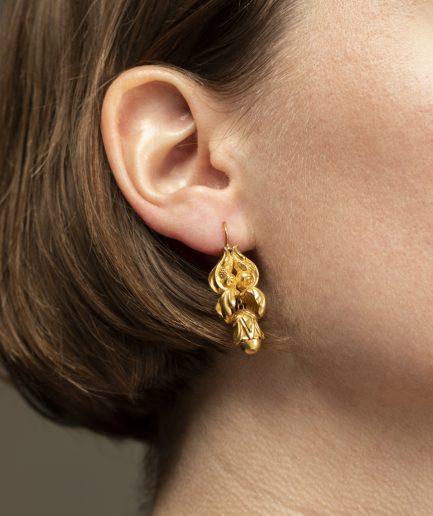 Boucles d'oreilles motifs feuillages
