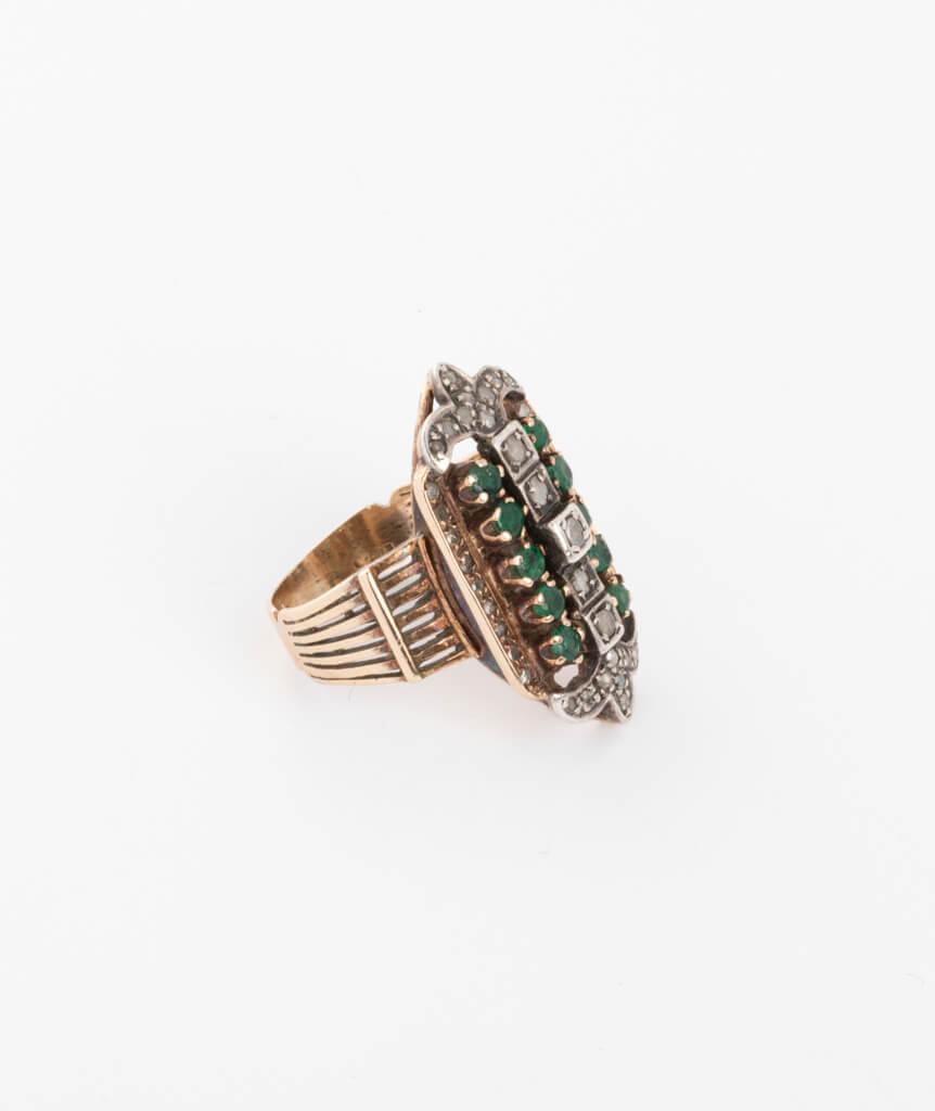 Bague ancienne émeraudes et diamants côté droit