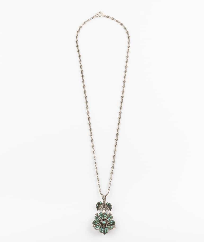 Collier ancien fleur turquoises