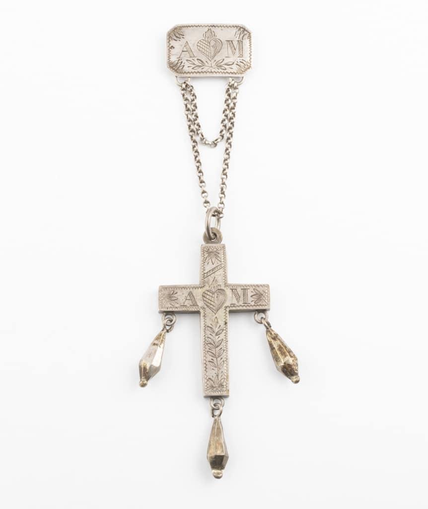 croix ancienne en argent