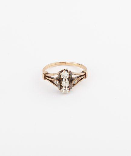 Bague ancienne trois diamants Bague Ancienne Bijoux Anciens - Caillou Paris