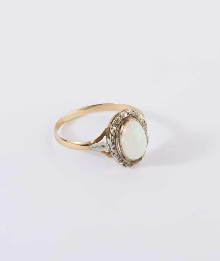 Bague ancienne opale