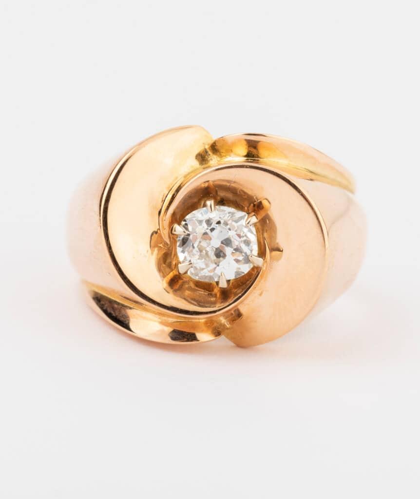 CAILLOU PARIS - bague chevalière diamant gros plan
