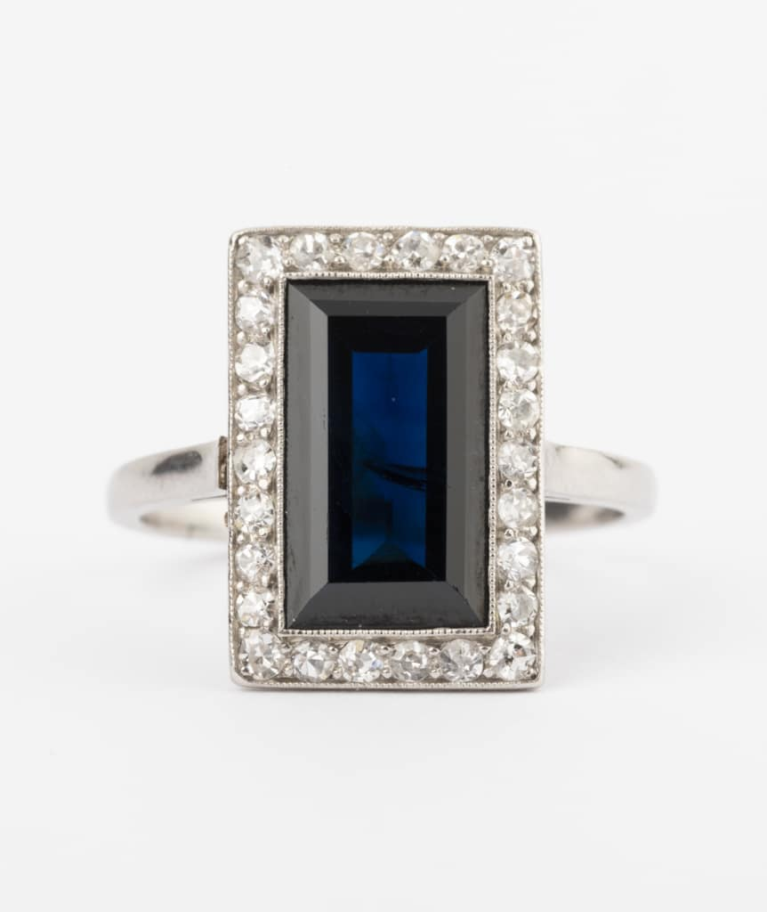CAILLOU PARIS - bague saphir diamants gros plan