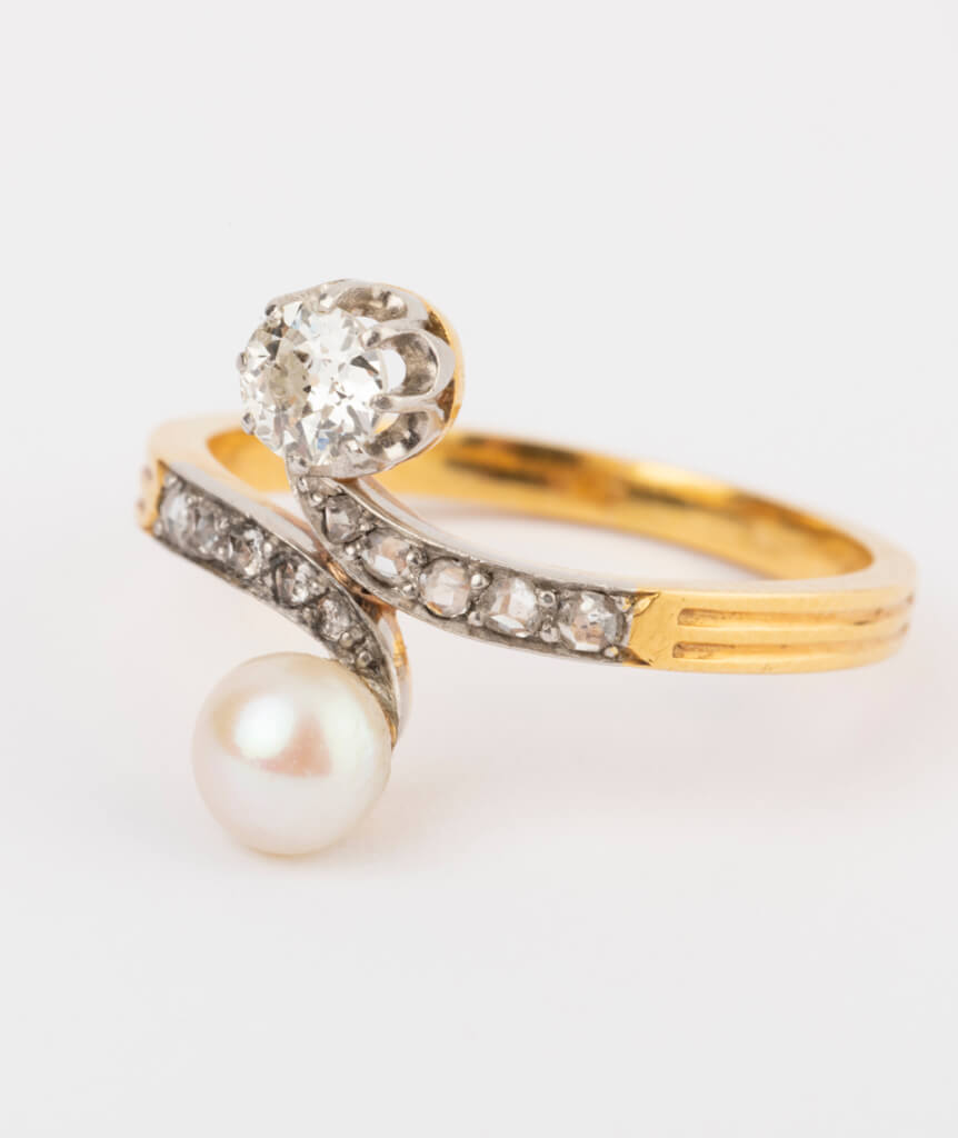 CAILLOU PARIS - bague toi et moi perle et diamants gros plan