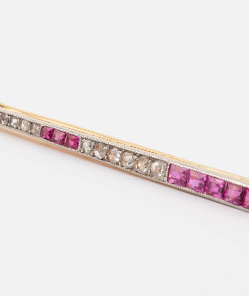 CAILLOU PARIS - broche barrette diamants gros plan