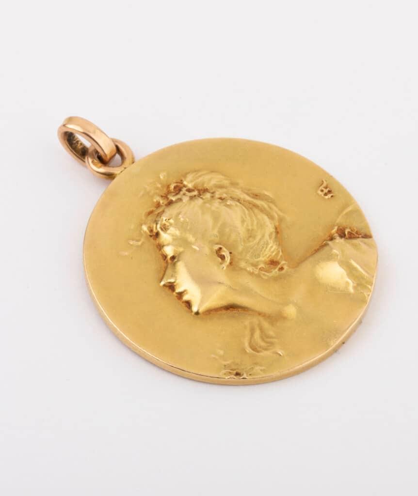 CAILLOU PARIS - médaille Art nouveau femme 1