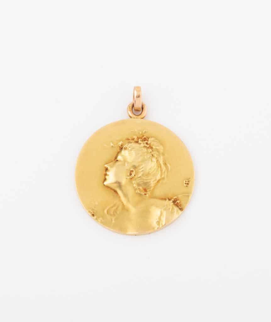 CAILLOU PARIS - médaille Art nouveau femme