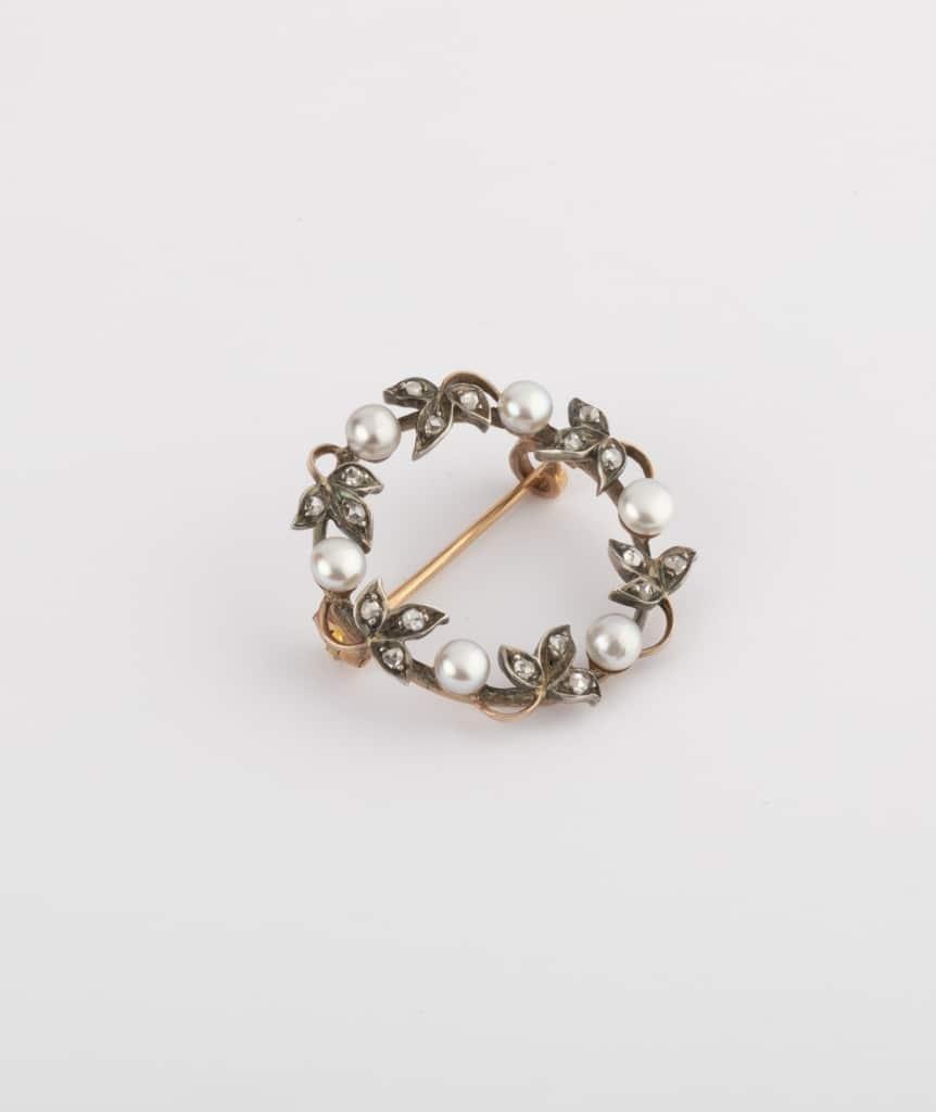 Caillou Paris - Broche feuillage diamants côté 1