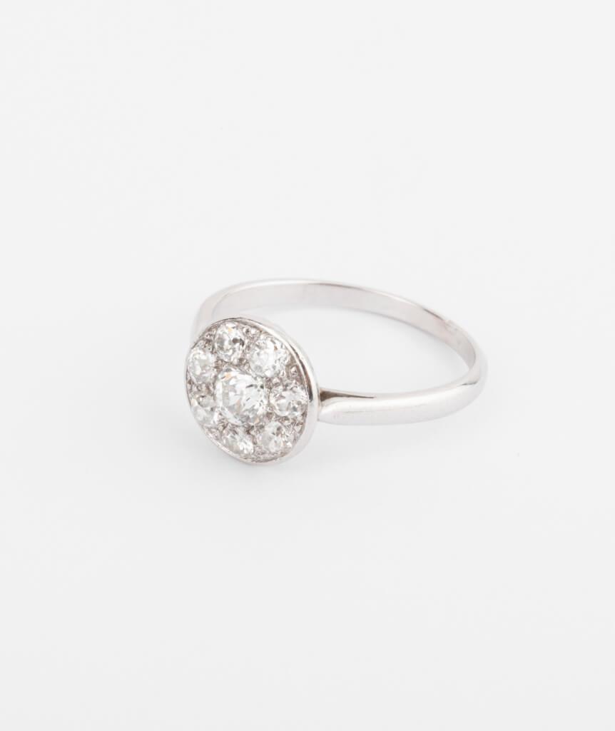 Bague platine et diamants côté