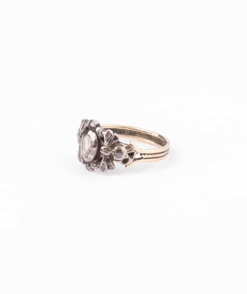 Bague ancienne diamants Pumani gauche