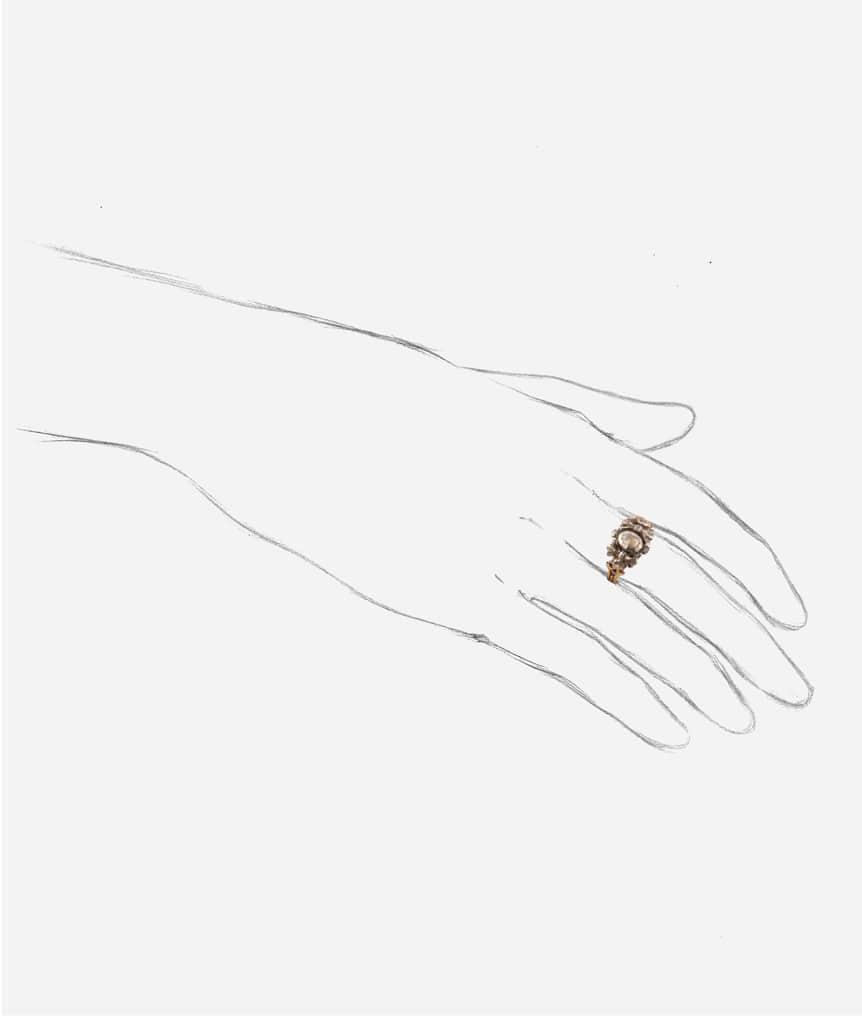 Bague ancienne diamants Pumani porter