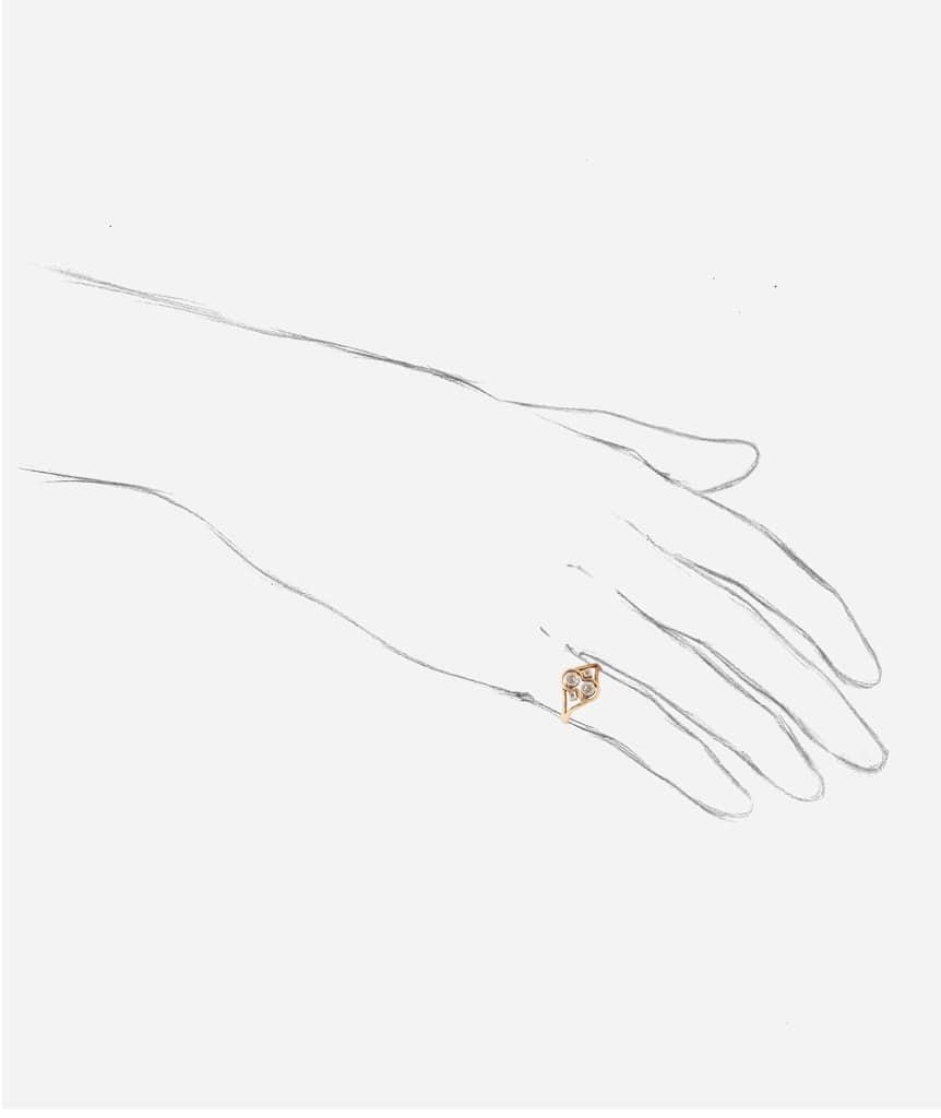 """Bague ancienne diamant """"Wissal"""" porter"""