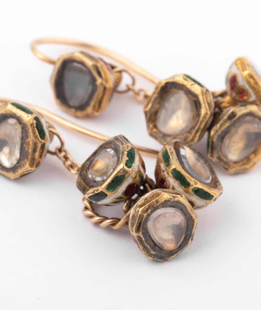 """Boucles d'oreilles anciennes diamants """"Alma"""" gros plan 1"""