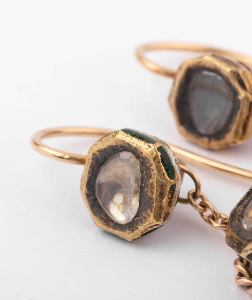 """Boucles d'oreilles anciennes diamants """"Alma"""" gros plan 2"""