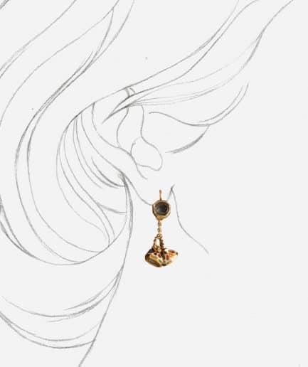 """Boucles d'oreilles anciennes diamants """"Alma"""" porter"""