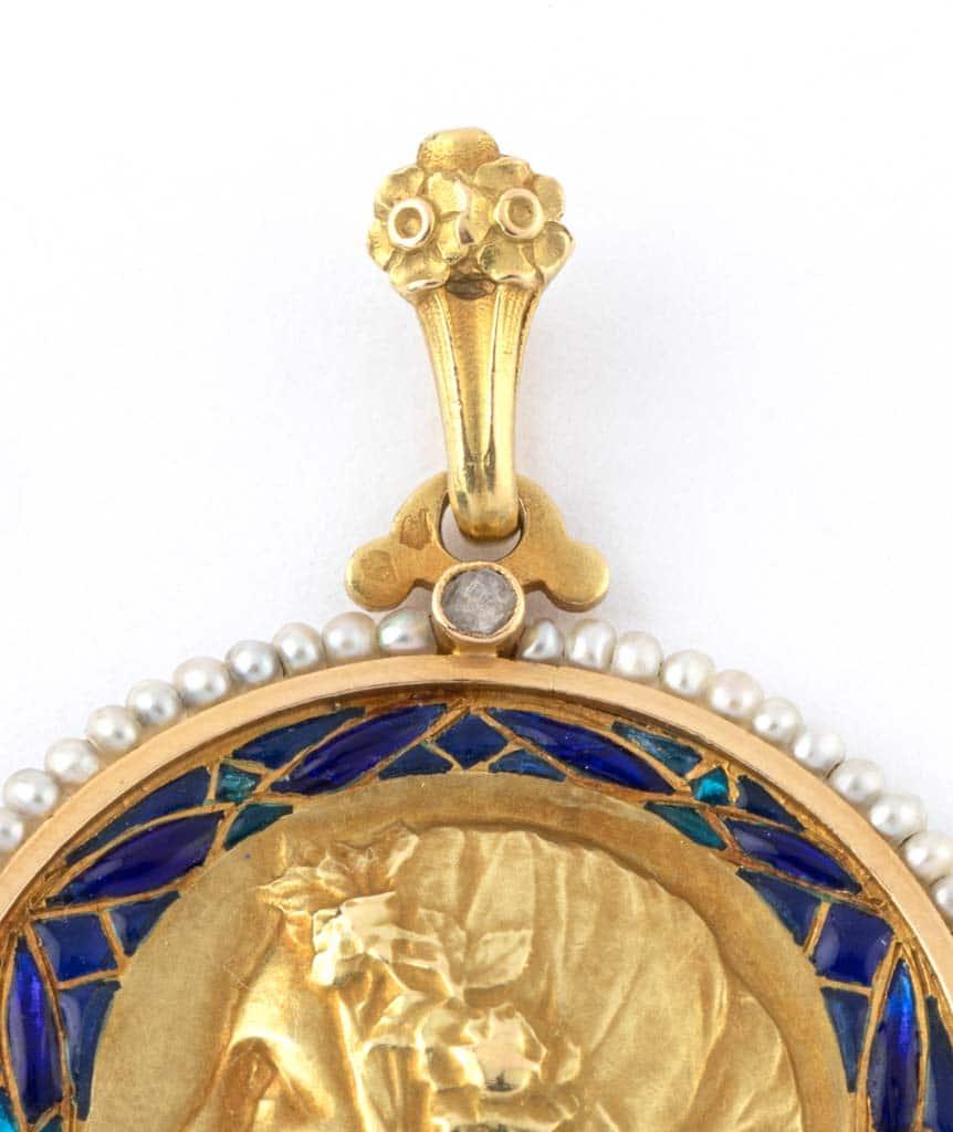 Caillou Paris - Médaille Art nouveau Uma beliere