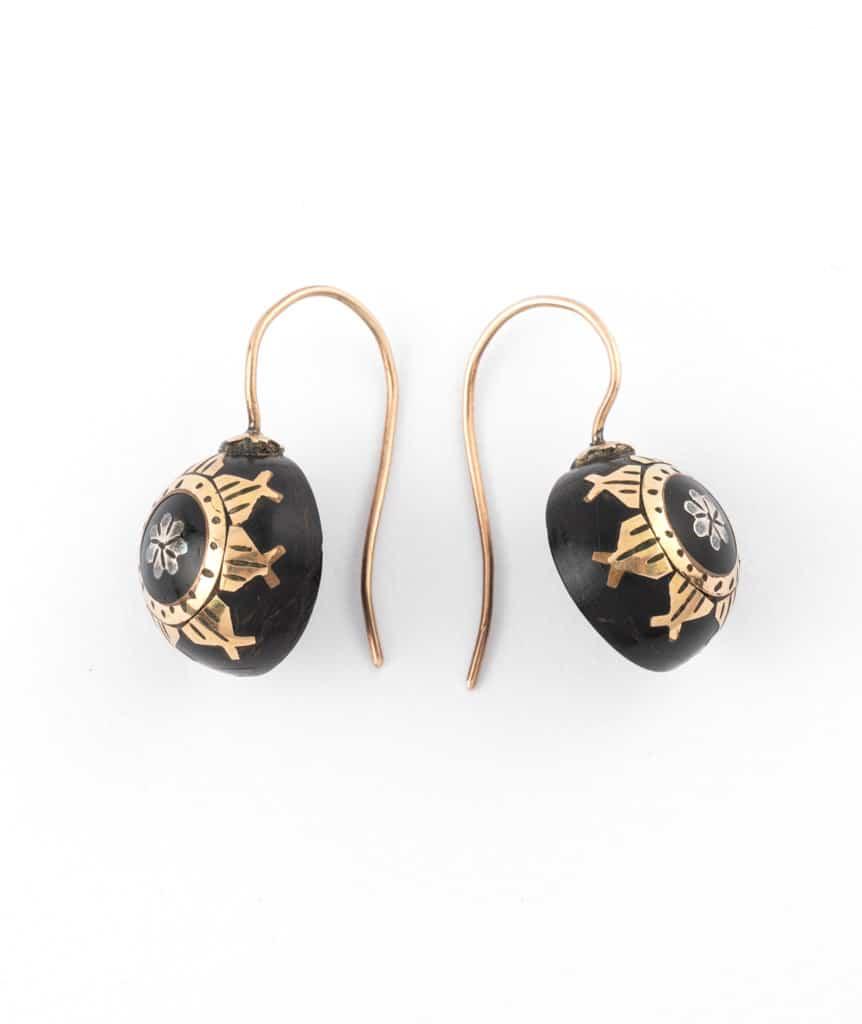 Caillou Paris - boucles d'oreilles anciennes Ayna profil
