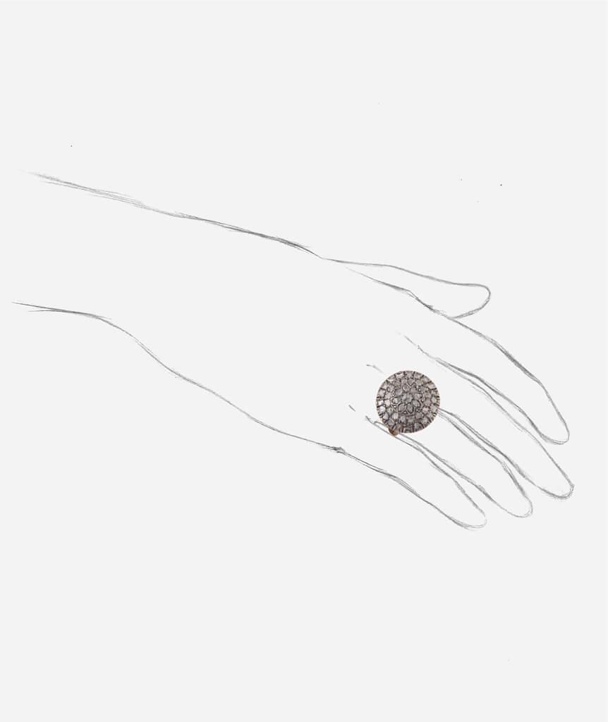 Caillou Paris - Bague ancienne diamants Rakal porter