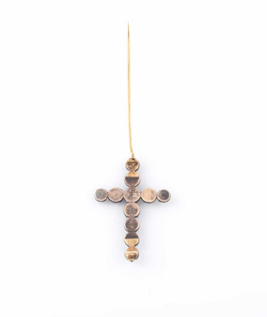 Caillou Paris - Broche croix ancienne Hira dos ouverte