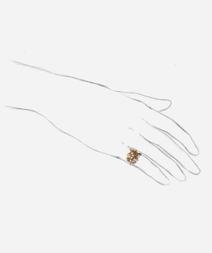 Caillou Paris - Bague jonc ancienne perle Alhagi porter