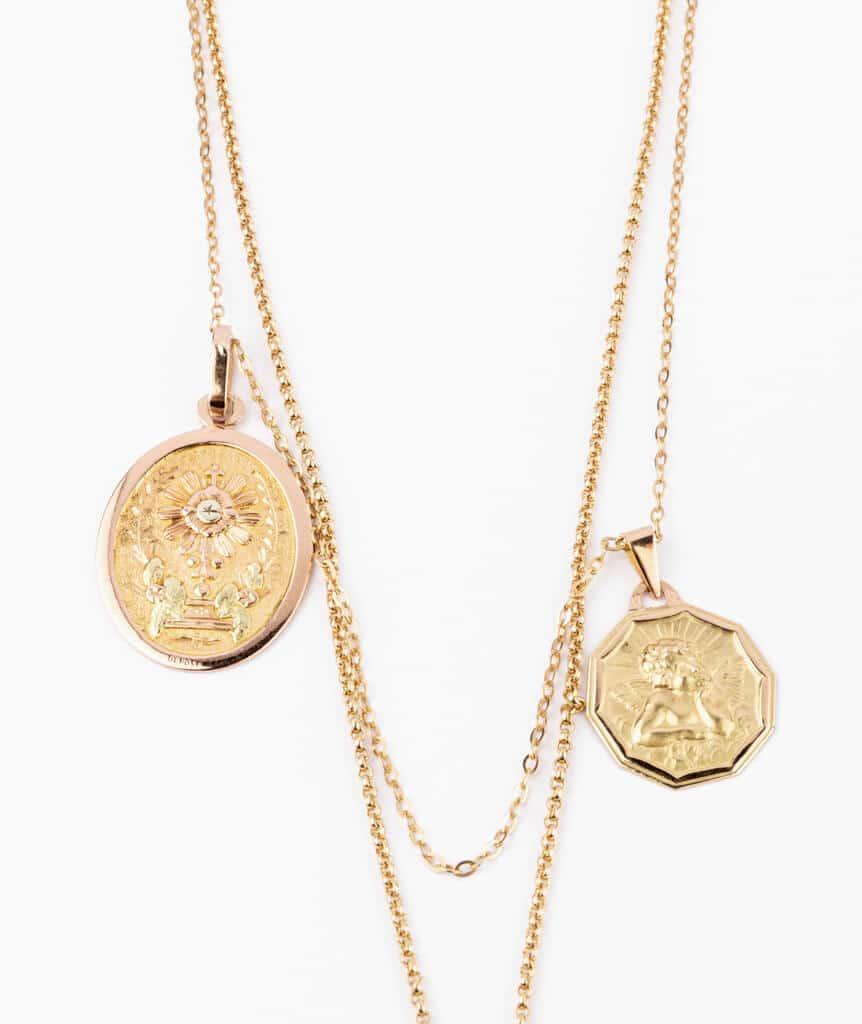Caillou Paris - Collier ancien médailles Calligena detail 2