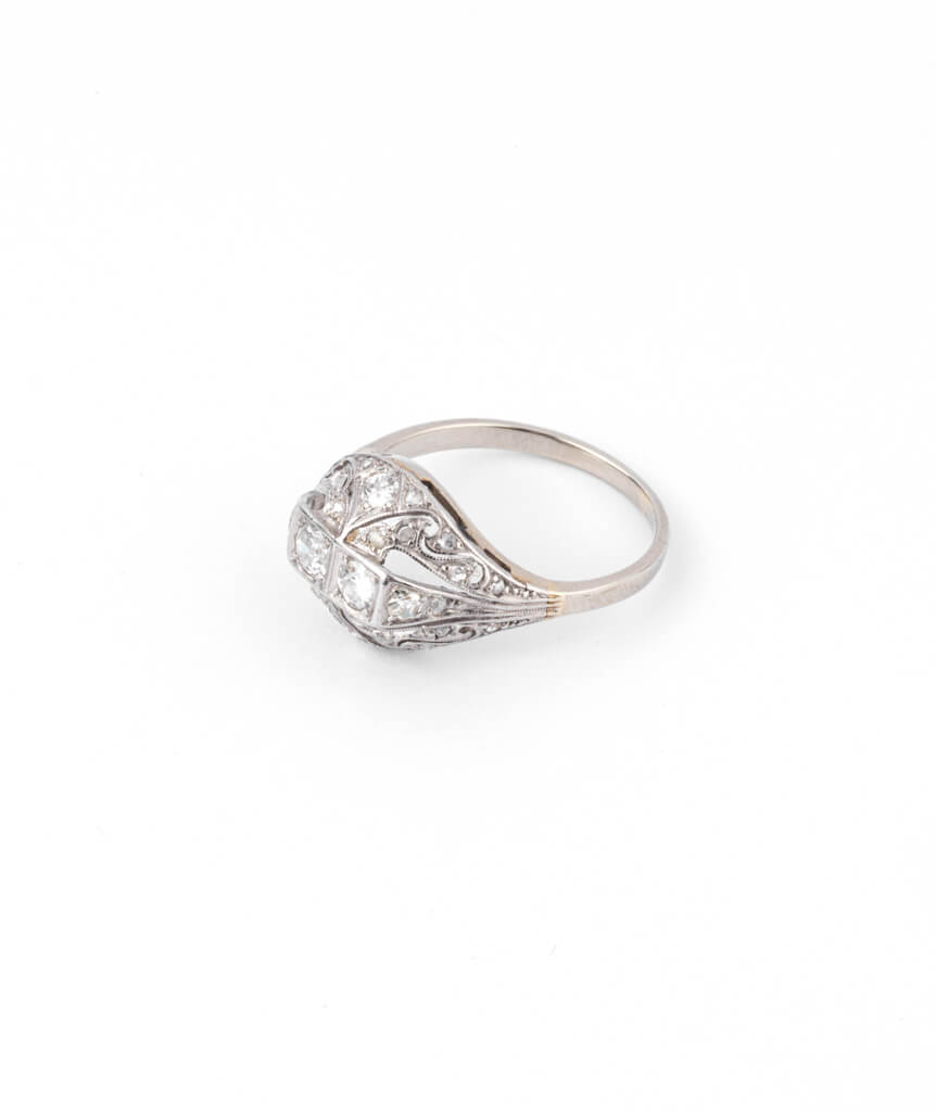 Caillou Paris - Bague Art deco diamants Premendra gauche