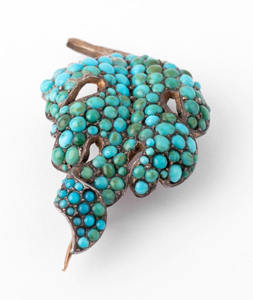 Caillou Paris - Broche ancienne turquoises Raurii detail 3