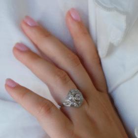 """Cadeau anniversaire mariage : Bague dôme Art déco """"Inir"""""""