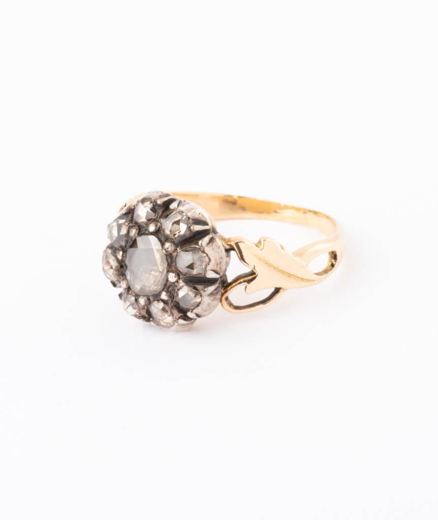 Bague ancienne diamants Glain auche